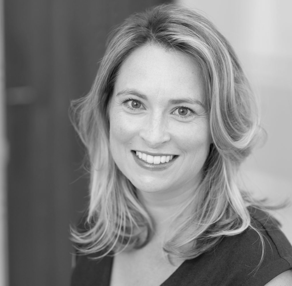 Dr.Jennifer Kearney